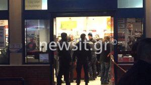Εισβολή ενόπλων σε σούπερ μάρκετ στο Καματερό! Ανταλλαγή πυροβολισμών και ομηρία [pics, vid]