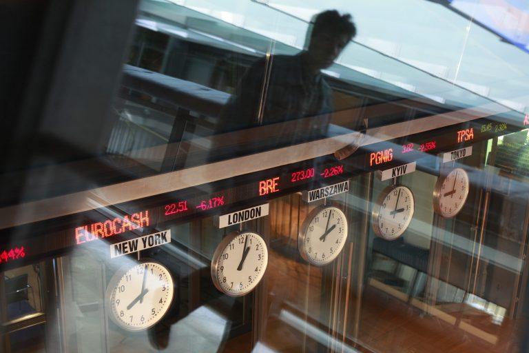 Financial Times: Έλληνες, συντονίστε επιτέλους τα ρολόγια σας με την υπόλοιπη Ευρώπη | Newsit.gr