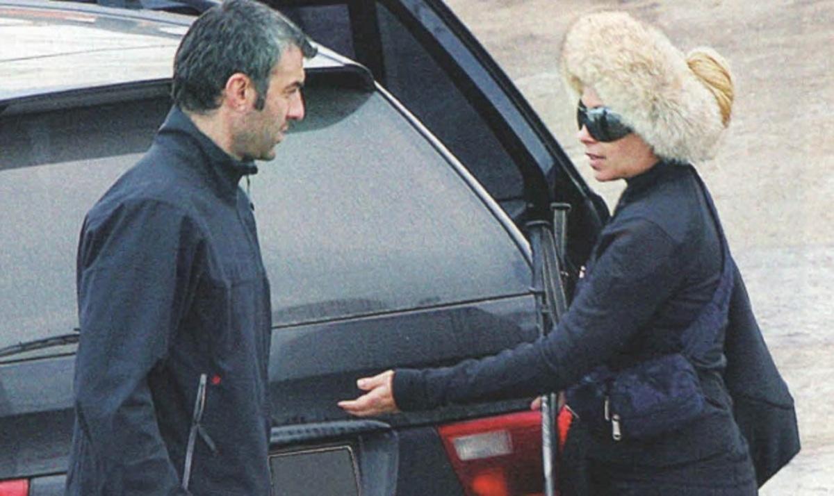 Γ. Μαστροκώστα: Με τον Τραϊνό και την κόρη τους στην Αράχωβα! | Newsit.gr