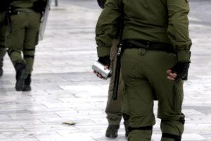Ο Ιατρικός Σύλλογος καταγγέλλει τη χρήση επικίνδυνων χημικών κατά των διαδηλωτών