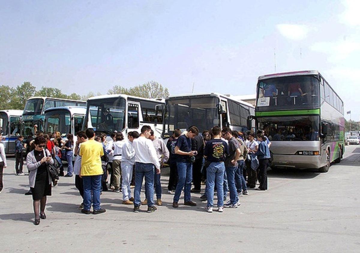 Σταματούν από αύριο τα τουριστικά λεωφορεία τη μεταφορά μαθητών | Newsit.gr
