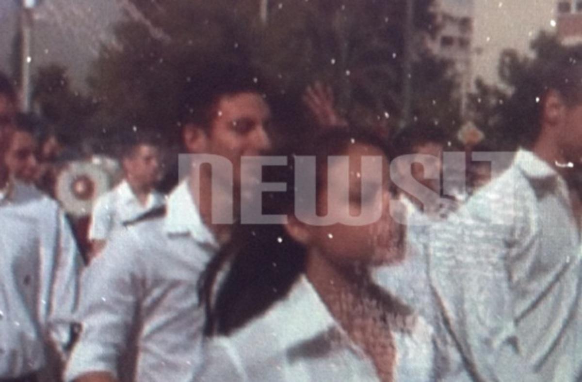 Μούντζα προς την εξέδρα των επισήμων απο μαθητή του Περιστερίου | Newsit.gr