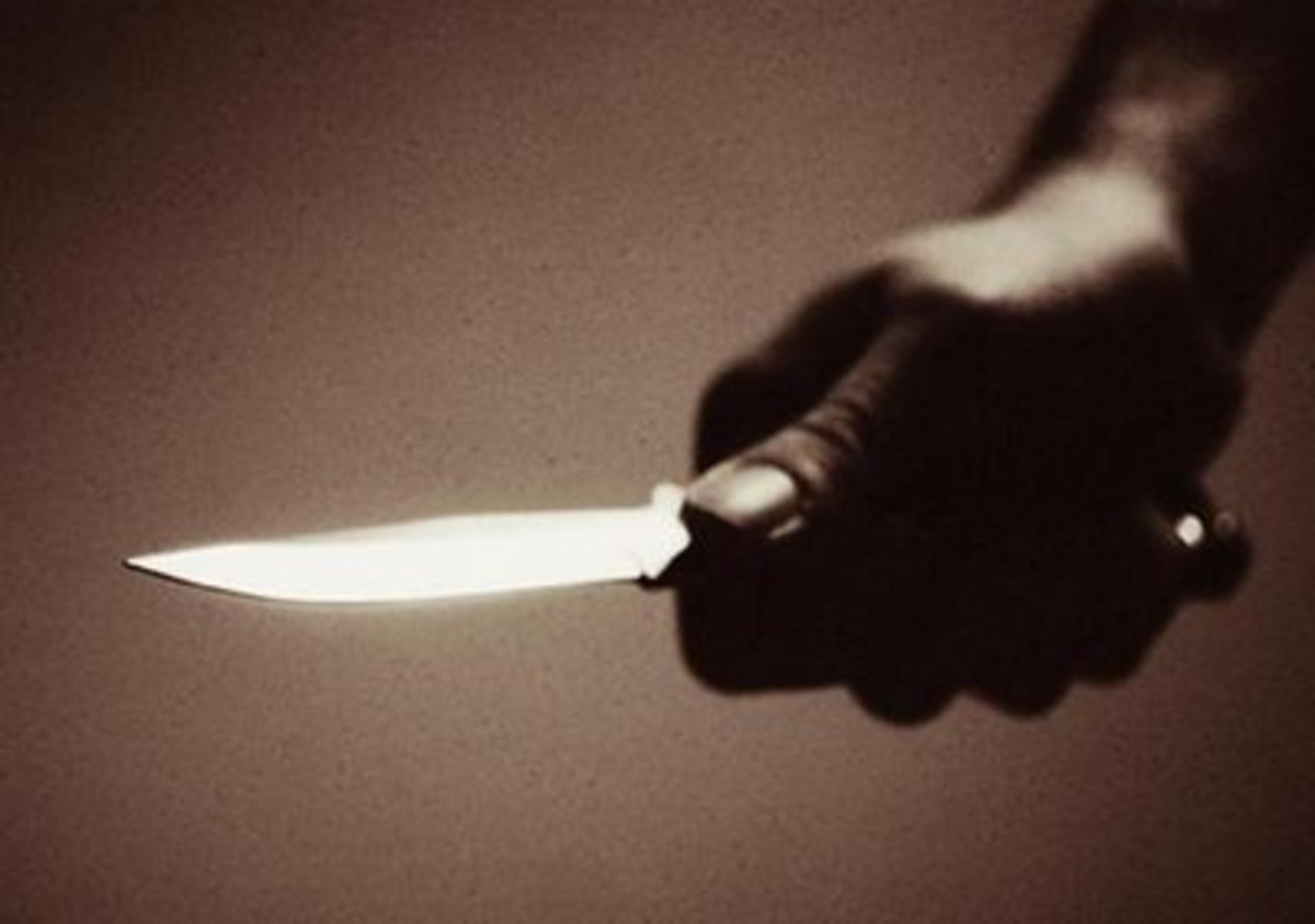 Λάρισα: Μπήκε στο μαγαζί και έβγαλε μαχαίρι! | Newsit.gr