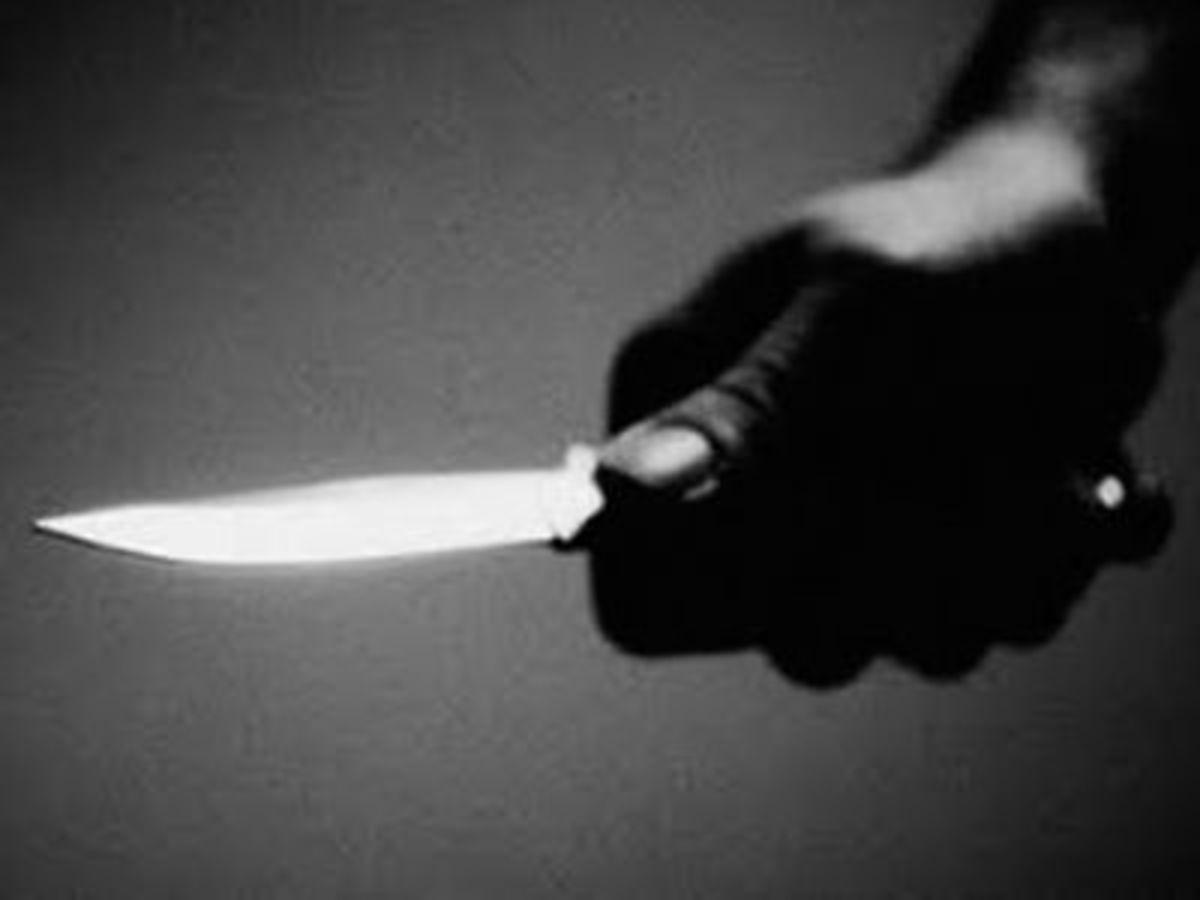 Κως: Τον μαχαίρωσε στα… οπίσθια! | Newsit.gr