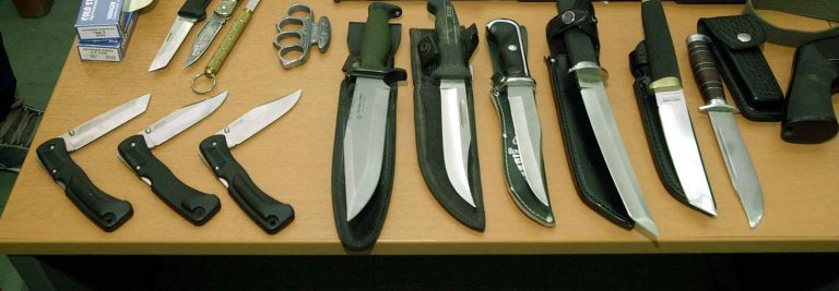 Χαλκιδική: Είχαν μαχαίρια για όλα τα γούστα! | Newsit.gr