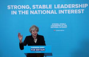 Μεγάλο το δημοσκοπικό προβάδισμα των Συντηρητικών στη Βρετανία