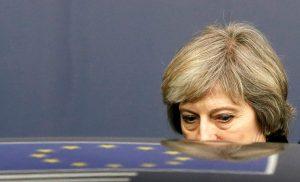 Κανονικότατο «μπούλιγνκ» της ΕΕ στην Τερέζα Μέι! «Καλύτερα να φύγω»