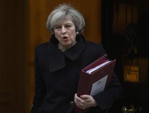 Μέι: Καμία καθυστέρηση στις διαπραγματεύσεις για το Brexit