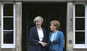 """Τερέζα Μέι: """"Άκυρο"""" στο δημοψήφισμα της Σκωτίας!"""