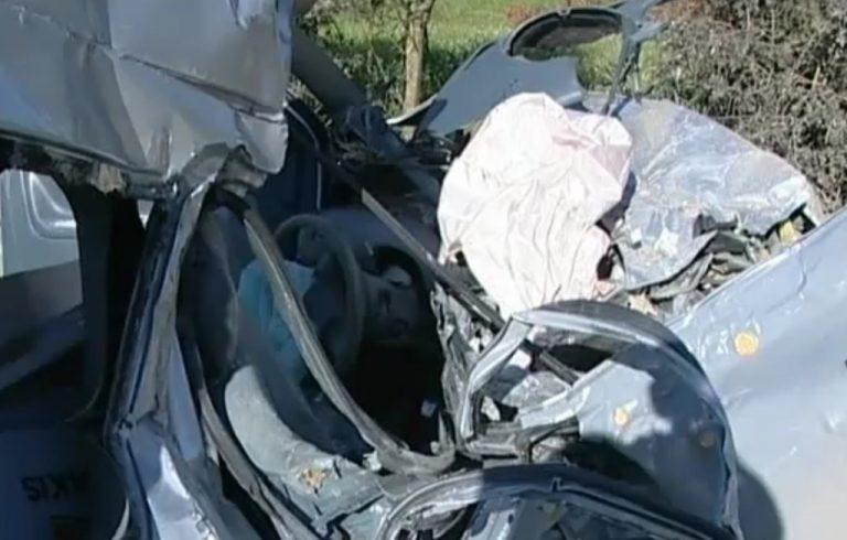Ένας νεκρός στην άσφαλτο – «Καρφώθηκε» με το αυτοκίνητό του σε φορτηγό   Newsit.gr
