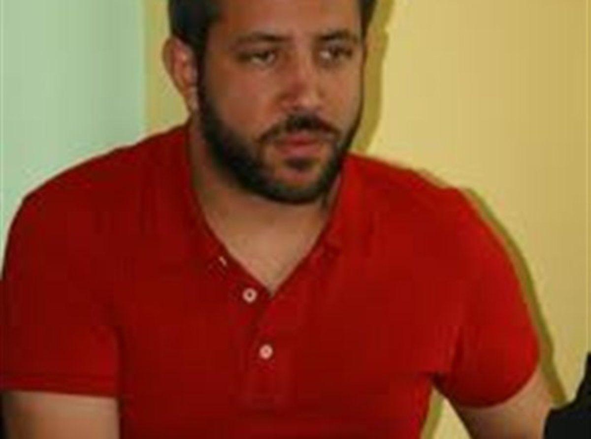 Επεισόδια στο Πανθεσσαλικό- Τον αναίτιο ξυλοδαρμό του από τα ΜΑΤ καταγγέλλει ο βουλευτής του ΣΥΡΙΖΑ Μεϊκόπουλος | Newsit.gr