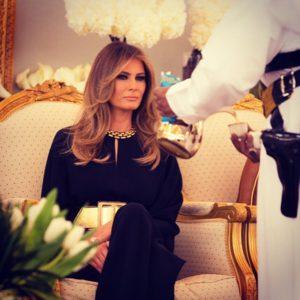 Μελάνια Τραμπ: Η λεπτομέρεια στη φωτογραφία που δεν πρόσεξε κανείς [pic]