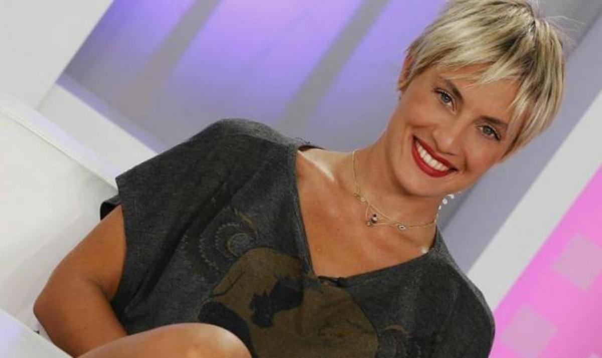 Ελ. Μελέτη: Ανακοίνωσε ότι θα είναι η παρουσιάστρια των καλλιστείων του θα προβάλλει το TLIFE   Newsit.gr