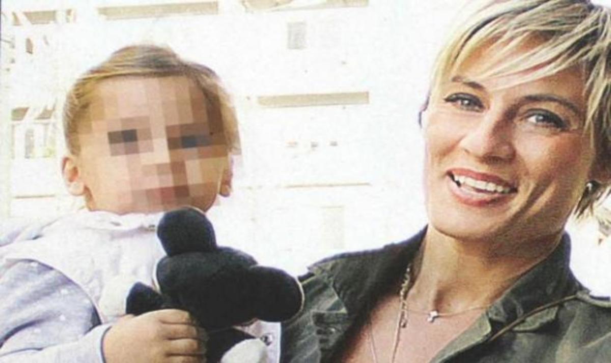 Ελεονώρα Μελέτη: Η πιο τρυφερή θεία και νονά! | Newsit.gr