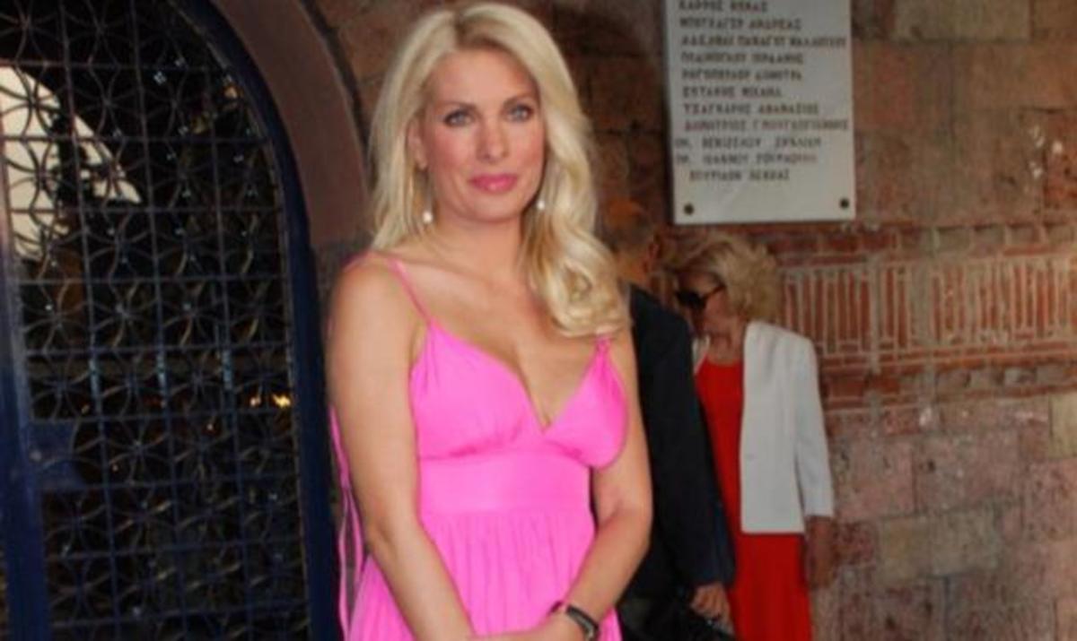 Η Ελένη Μενεγάκη ανακαινίζει το σπίτι της στην Χαλκιδική! | Newsit.gr