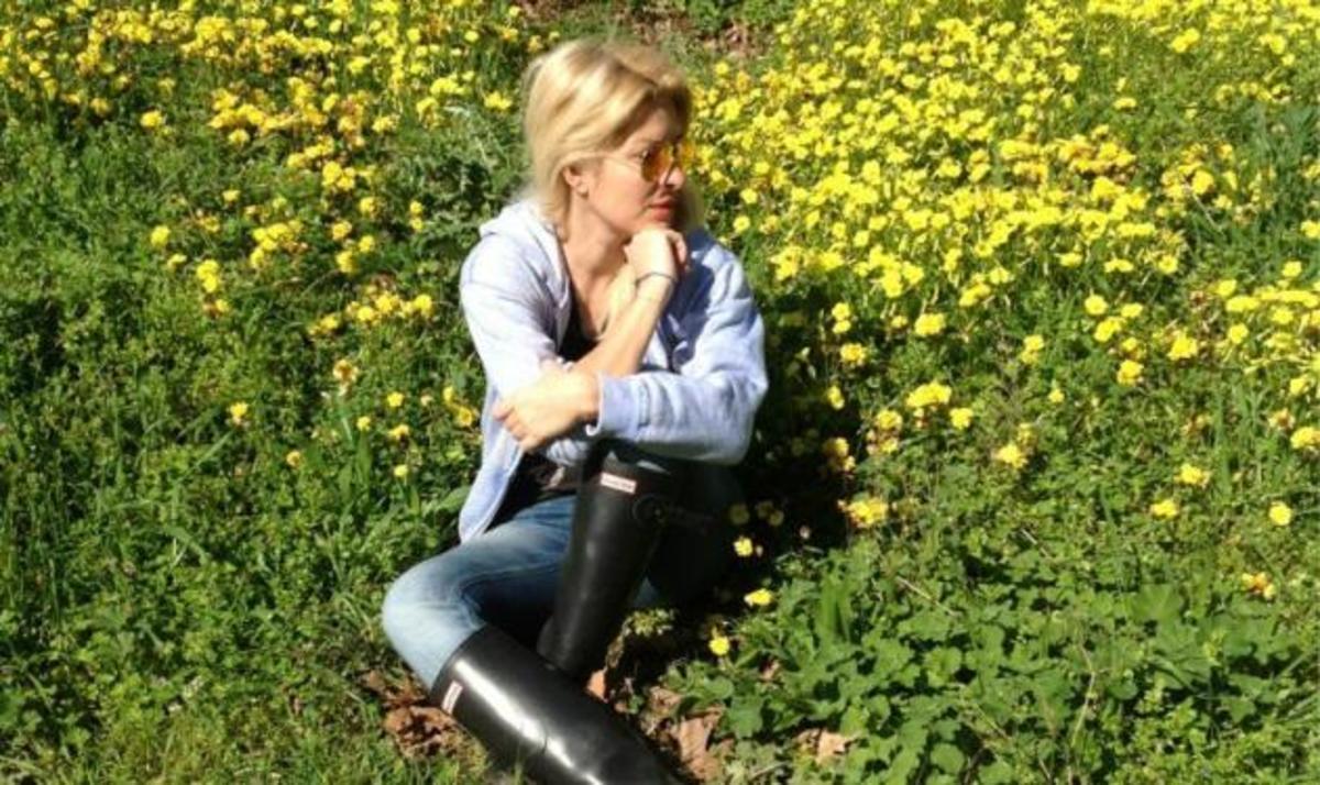 E. Μενεγάκη: Ξεκινά μίνι διακοπές. Δες τη φωτογραφία που τράβηξε η κόρη της   Newsit.gr