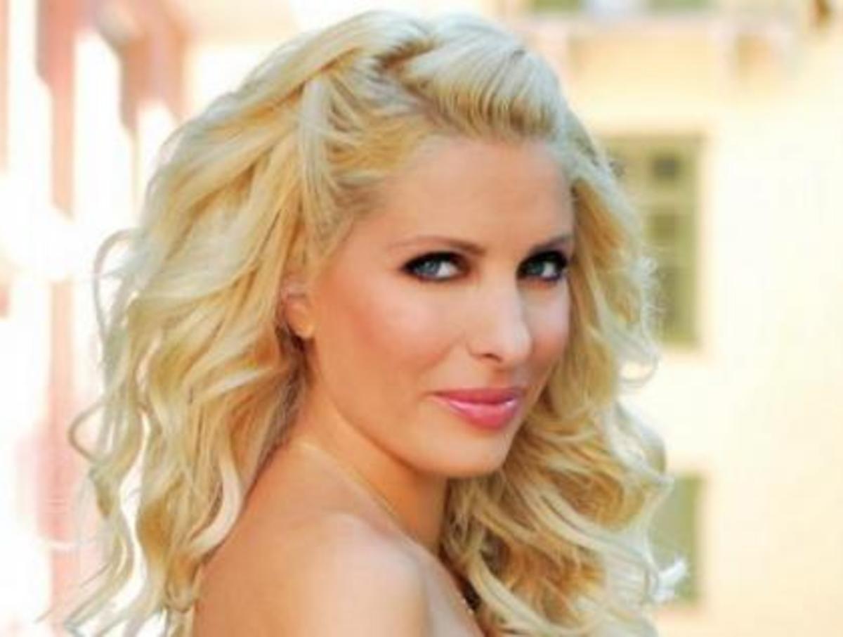 Η Ελένη Μενεγάκη… δεν παραδίδει το στέμμα της βασιλείας! | Newsit.gr
