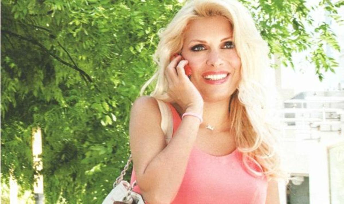 Ε. Μενεγάκη: Βάφτισε την ανιψιά του Ματέο στην Άνδρο! | Newsit.gr
