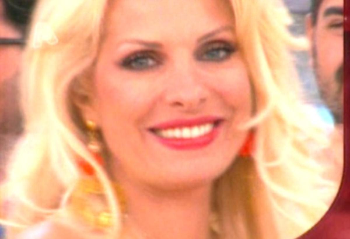 Ο αποχαιρετισμός της Ελένης Μενεγάκη – «Περιμένετέ μας σε τρεις μήνες»! | Newsit.gr