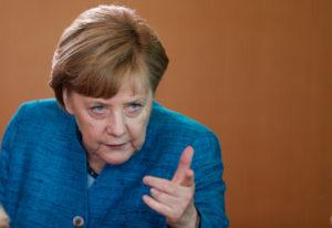 Μέρκελ: Διαψεύδει Τσίπρα και βάζει… φρένο για το χρέος!