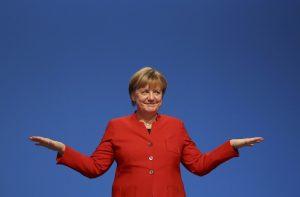 Τι λέτε ότι κέρασε η Μέρκελ τους συνέδρους στο κόμμα της; [pics]