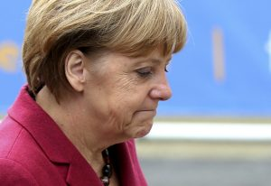 Charlie Hebdo: Κυκλοφόρησε στη Γερμανία με τη Μέρκελ να… επιδιορθώνεται! [pic]