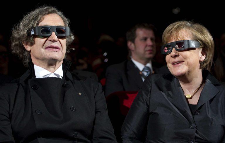 Η τριπλή αγωνία της Μέρκελ | Newsit.gr
