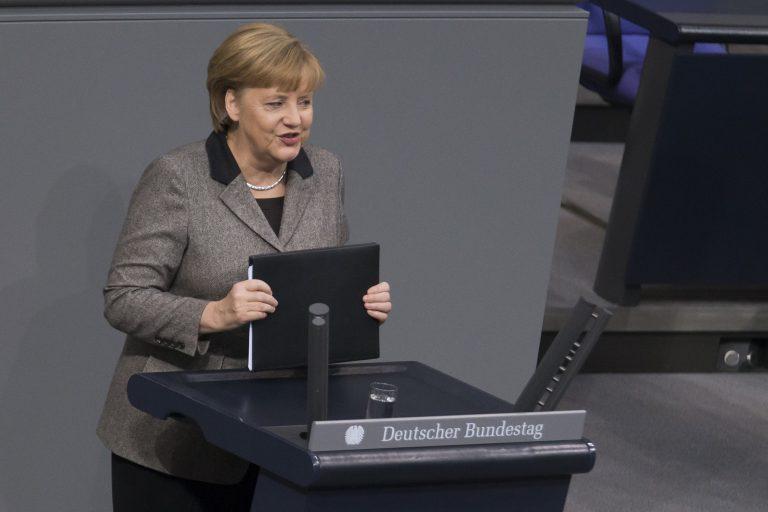 Η Μέρκελ καλεί το Ευρωκοινοβούλιο να συναινέσει | Newsit.gr