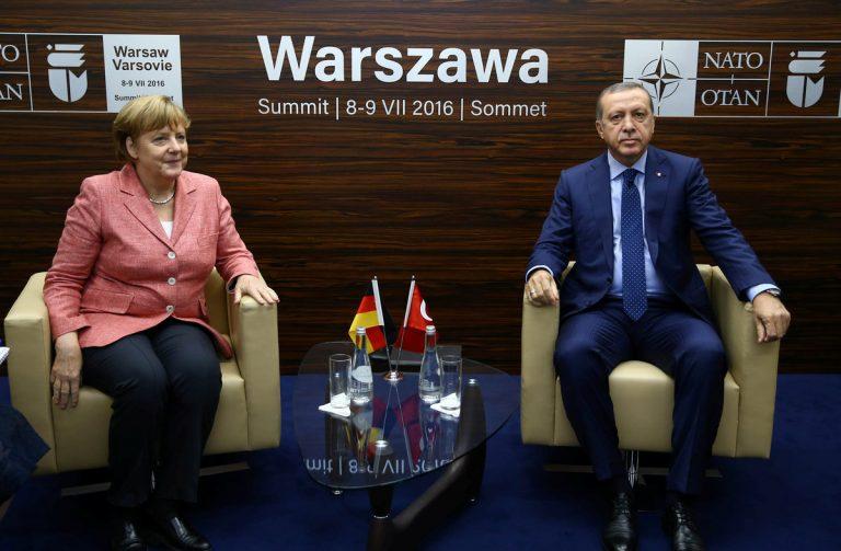 Οργισμένο τηλεφώνημα Μέρκελ σε Ερντογάν: Με τη θανατική ποινή ξέχνα την Ε.Ε. – Προκλητική δήλωση από τον Τούρκο ΥΠΕΞ   Newsit.gr