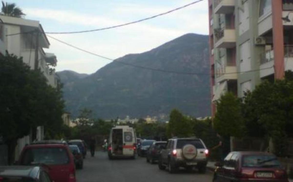Καλαμάτα: Στο νοσοκομείο ληστής και αστυνομικοί, μετά από άγριο πιστολίδι -Φωτό και βίντεο! | Newsit.gr