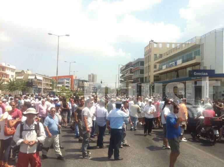 Με αφαίρεση αδειών από όσους ταξιτζήδες κλείνουν τους δρόμους απαντά ο Ραγκούσης | Newsit.gr