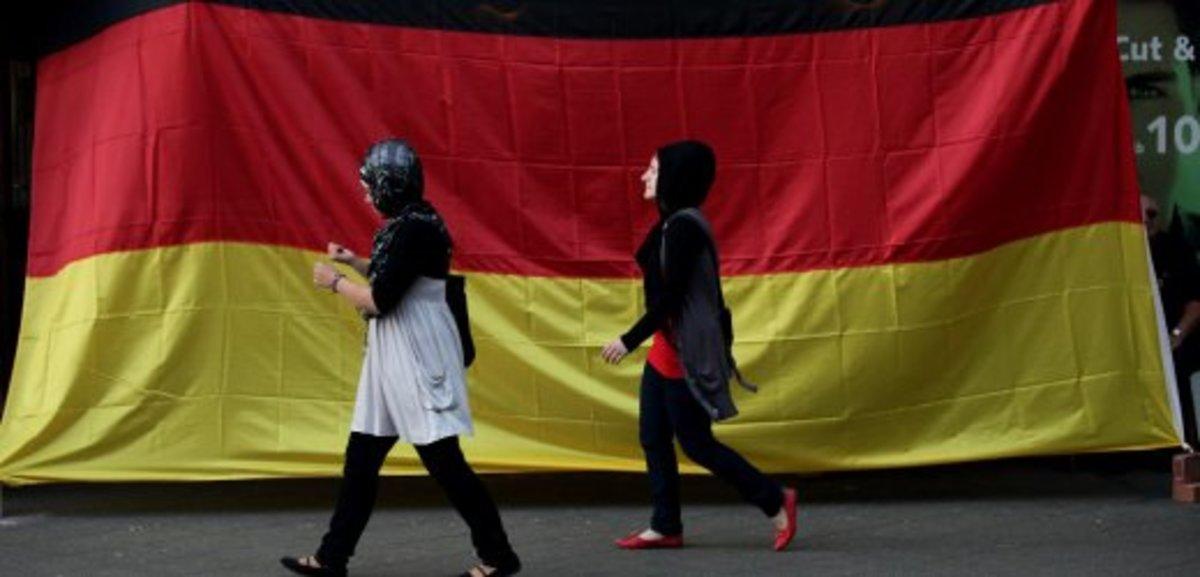 Αυξήθηκε ο πληθυσμός της Γερμανίας λόγω των μεταναστών | Newsit.gr
