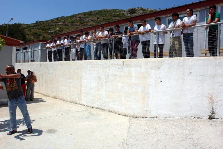 Σάμος: Εκμεταλλεύονταν μετανάστες | Newsit.gr
