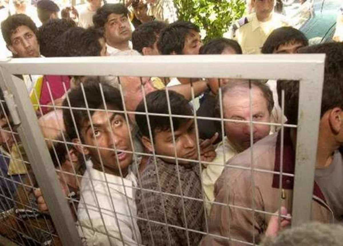 Eλεύθεροι 1.200 λαθρομετανάστες | Newsit.gr