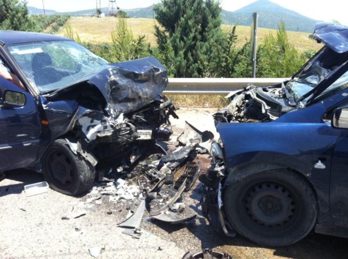 7 νεκροί και 8 τραυματίες σε τροχαία | Newsit.gr