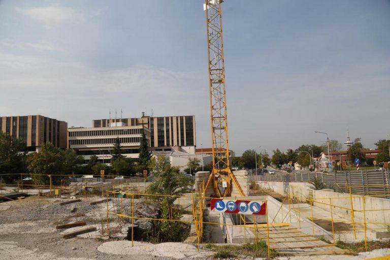 Θεσσαλονίκη: Με 20 ποιήματα θα «ντυθεί» αύριο εργοτάξιο του Μετρό | Newsit.gr