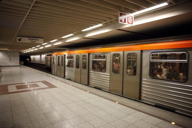 Ανά 6 λεπτά τα δρομολόγια του Μετρό – Ακίνητοι οι συρμοί προς αεροδρόμιο | Newsit.gr