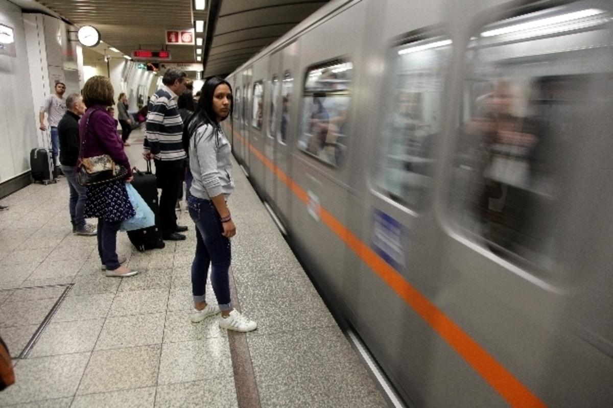 Παραμονή Πρωτοχρονιάς: Δρομολόγια μετρό, ηλεκτρικού, λεωφορείων και ΟΑΣΘ | Newsit.gr