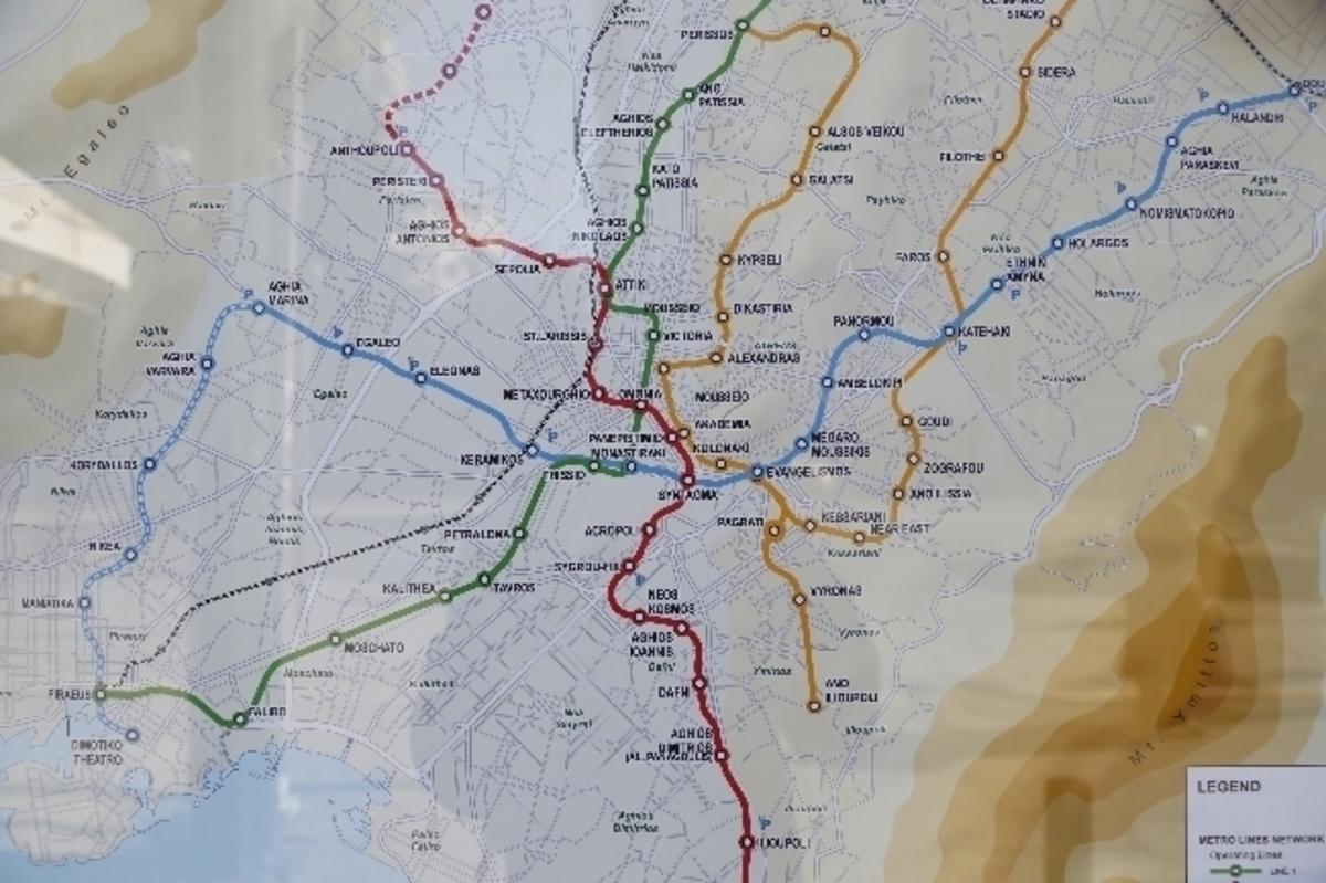Παραμονή Πρωτοχρονιάς: Πως κινούνται τα Μέσα Μεταφοράς | Newsit.gr