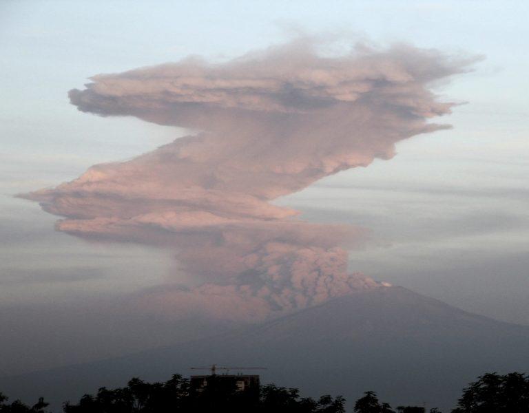 Έκρηξη ηφαιστείου στο Μεξικό – Σε ύψος 3 χλμ το νέφος της τέφρας | Newsit.gr