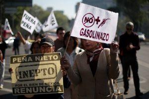 Μεξικό: Νεκρός αστυνομικός στα επεισόδια με αφορμή την αύξηση της τιμής της βενζίνης