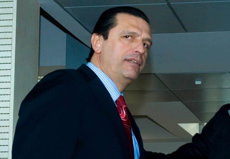 Αντιμέτωπος με ληστή που κρατούσε μαχαίρι ο Τάσος Μητρόπουλος – Τον τραυμάτισε στο πρόσωπο | Newsit.gr