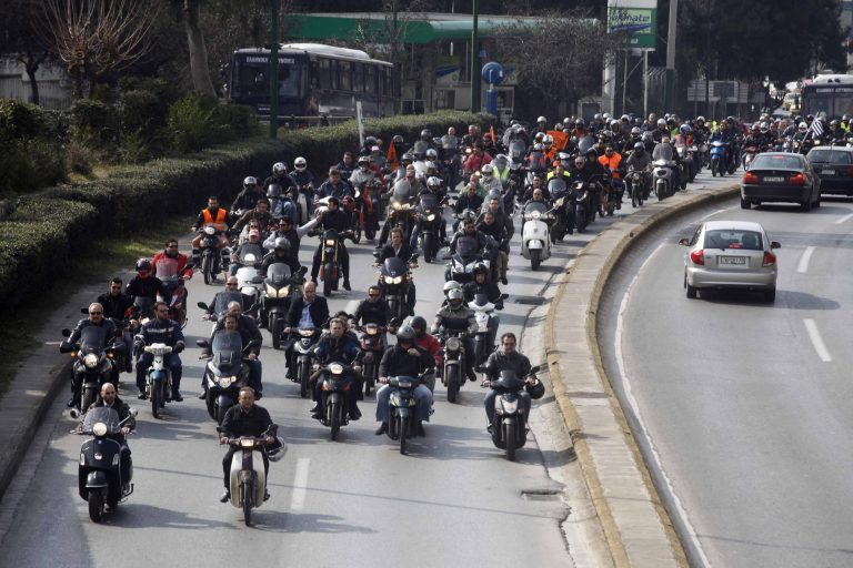 Μηχανοκίνητη πορεία των Αγανακτισμένων στη Θεσσαλονίκη | Newsit.gr