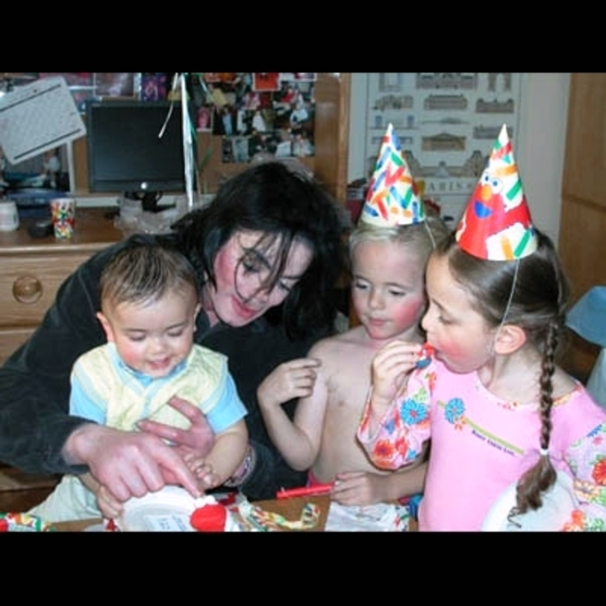 60.000 δολλάρια μηνιαίως για τα παιδιά του Μ.Jackson! | Newsit.gr