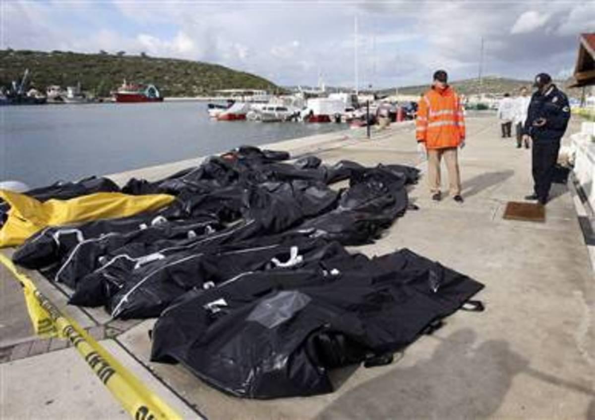 Νεκροί λαθρομετανάστες στις όχθες του Έβρου   Newsit.gr