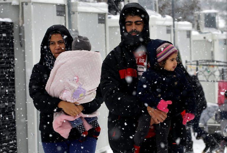 Ύπουλο χτύπημα από Βερολίνο: Αρχίζει επαναπροωθήσεις προσφύγων στην Ελλάδα