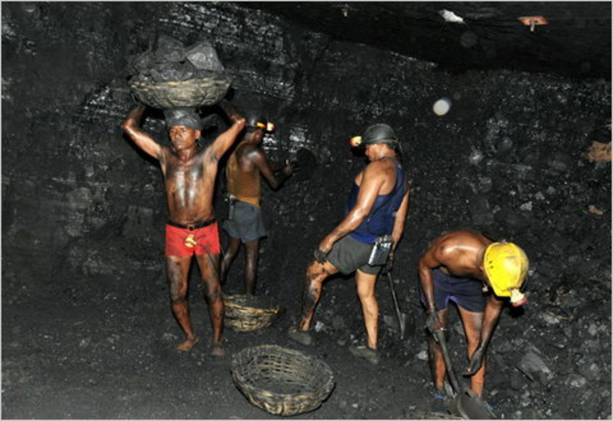 Αίσιο τέλος με τους 200 εγκλωβισμένους ανθρακωρύχους στην Ινδία | Newsit.gr