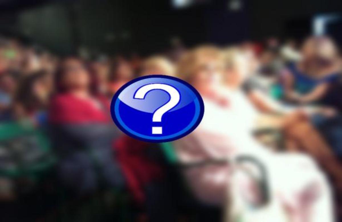 Ποιες πολύ γνωστές ηθοποιοί βρίσκονται στο κοινό του Λάκη;   Newsit.gr