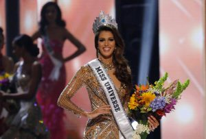 Miss Universe: Γαλλίδα η ωραιότερη γυναίκα του κόσμου [pics, vids]