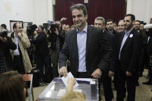 Αποτελέσματα εκλογών ΝΔ: «Περίπατος» Μητσοτάκη στην Καλαμάτα